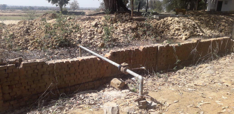 बिना पानी 45 लाख की नलजल योजना खड़ी, 12 हैंडपम्प से बुझ रही 1400 आबादी की प्यास