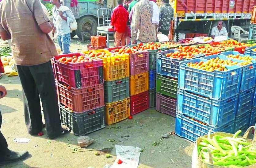 सब्जियों पर महंगाई की मार, आसमान छू रहे दाम... देखें वीडियो
