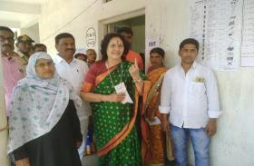 तेलंगाना में मतदान 60 प्रतिशत से पार, हैदराबाद और सिकंदराबाद में कम मतदान