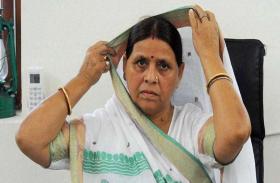 बिहार में सियासी घमासान तेज, राबड़ी देवी बोलीं- 'तेजस्वी को CM बनाना चाहते थे नीतीश'