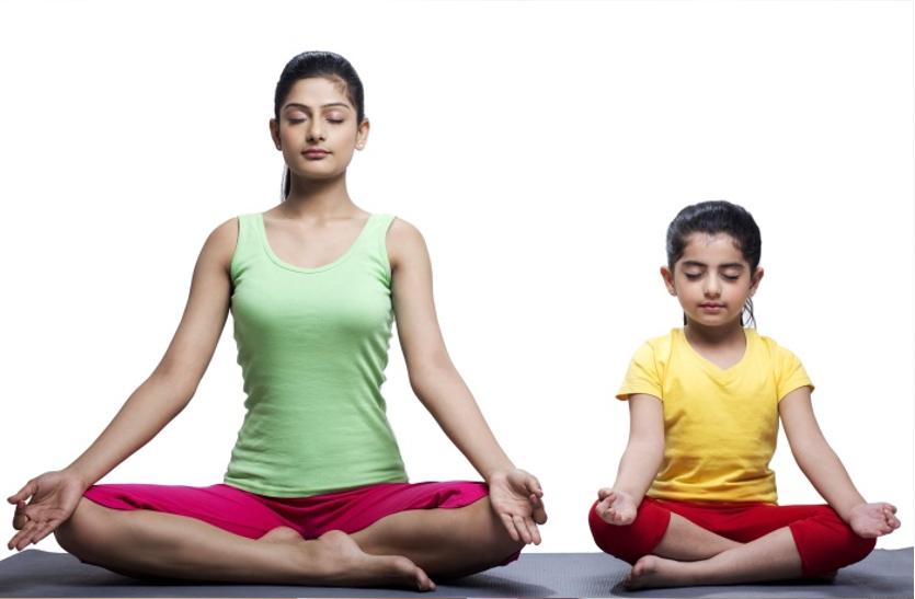 बच्चों को शरीर व दिमाग से मजबूत बनाता है योग