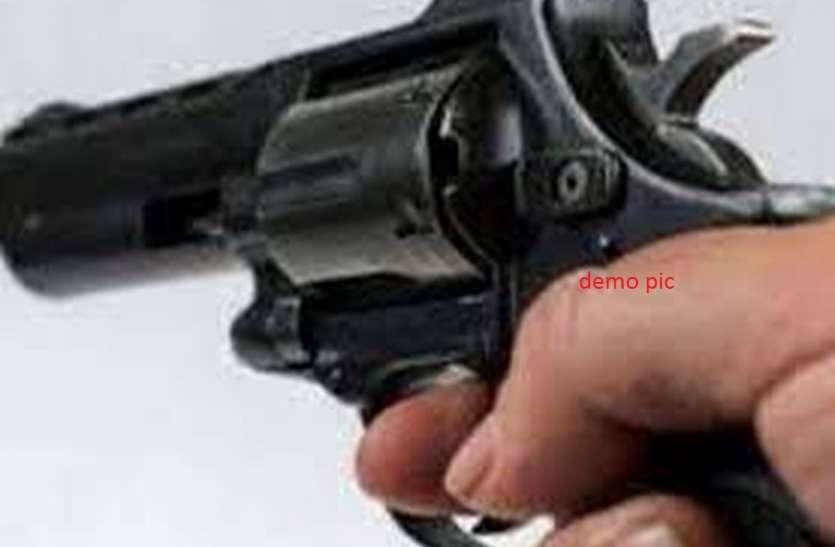 पुलिस की लाइसेंसी हथियारों पर नजर