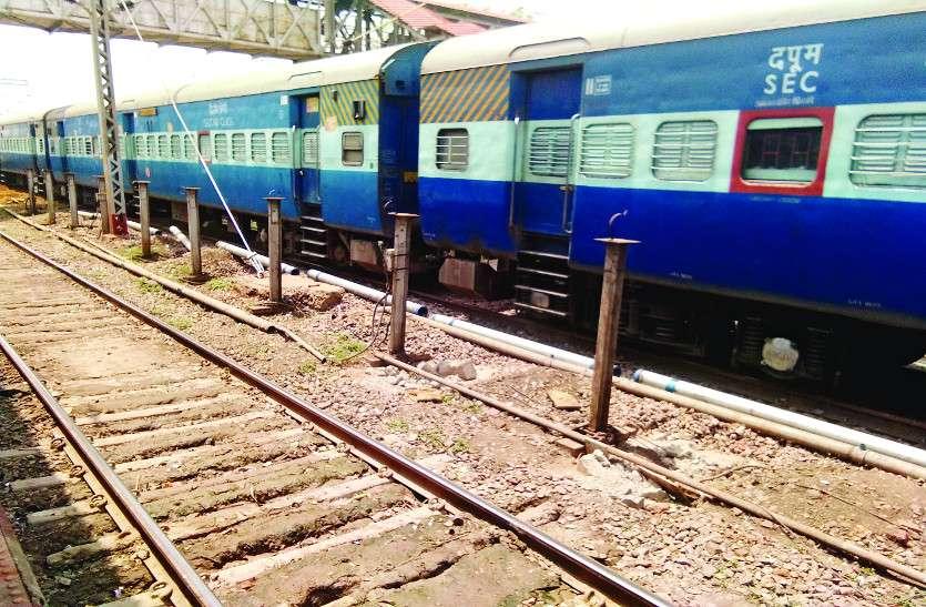 अब ट्रेनों में 10 से 15 मिनट में भरेगा पानी, पाइप लाइन बिछाने का काम हुआ पूरा