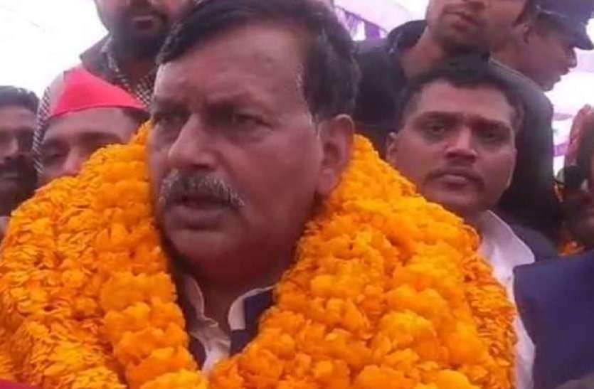 बसपा प्रत्याशी रंगनाथ मिश्रा ने भाजपा कांग्रेस पर बोला हमला, कहा दोनों प्रत्याशी बाहरी हैं