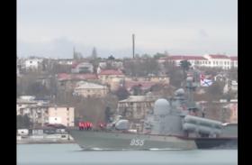 VIDEO: रूसी सेना ने काला सागर में विभिन्न जहाजों व जेट विमानों को प्रदर्शित करते हुए किया ड्रिल