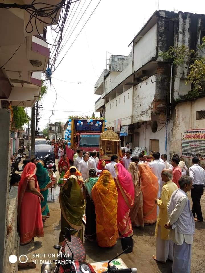 धूमधाम से मनाई गई महावीर जयंती, पालकी में सवार प्रभू पहुंचे भक्तों के द्वार