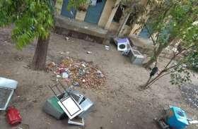 इविवि के छात्रावासों में ताबड़तोड़ छापेमारी, बम बनाने की सामग्री बरामद