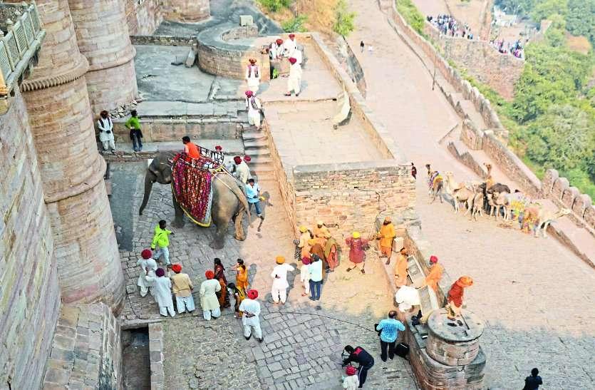 रीलिज हुई कलंक,बड़े पर्दे पर दिखे शहर के कई कलाकार