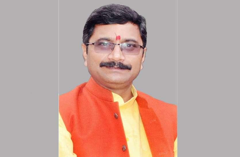 BJP के मंत्री नीलकंठ तिवारी के विवादित बोल, कहा- हमें नहीं चाहिये 20 प्रतिशत अल्पसंख्यकों का वोट