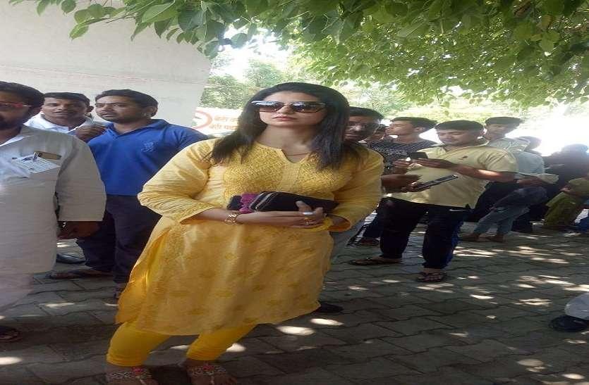 मतदान वाले दिन अचानक ससुराल पहुंच गयी क्रिकेटर शमी की पत्नी हसीन जहां, कही ये बड़ी बात