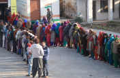 बिहार की पांच लोकसभा सीटों पर हुआ चुनाव, कुल 68 उम्मीदवारों का भाग्य ईवीएम में कैद