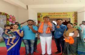 सराईपाली विधायक किस्मतलाल नन्द और महासमुंद पूर्व विधायक विमल चोपड़ा ने किया मतदान
