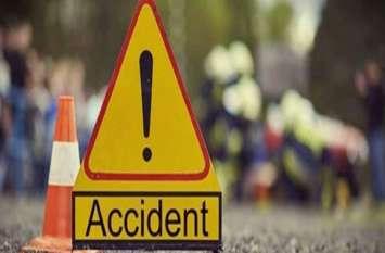 पाकिस्तान में एक यात्री बस पलटने से आठ की मौत, 44 घायल