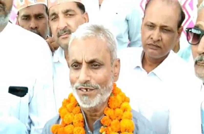 बीजेपी के इस नेता ने खोला मोर्चा, भाजपा के खिलाफ निर्दलीय नामांकन पत्र किया दाखिल