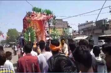 हनुमान जयंती पर चढ़ाया चोला, शोभायात्रा में दिखे अनूठे नजारे