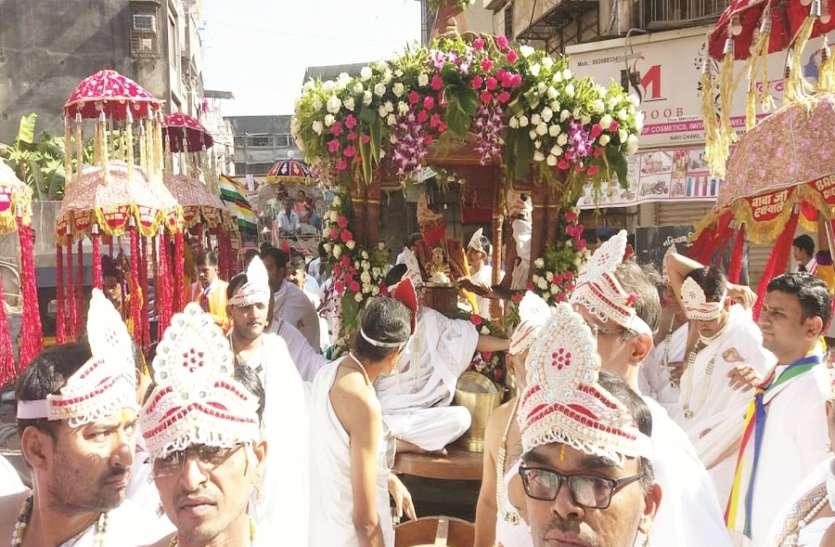 भिवंडी में निकली भगवान महावीर की रथ यात्रा