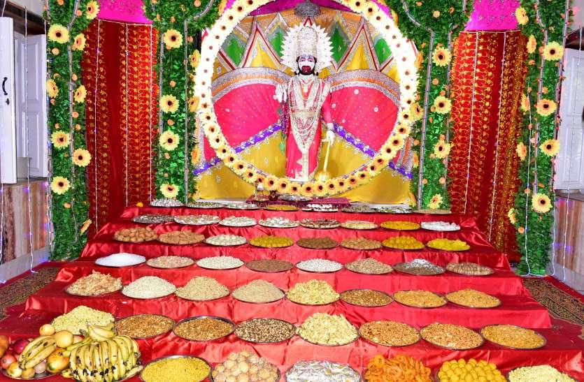 हनुमान जयंती पर मंदिरों में गूंजे जयकारे, हनुमानजी का हुआ विशेष शृंगार, दर्शन के लिए उमड़े श्रद्धालु