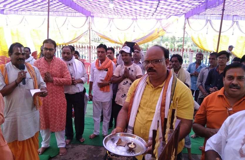 धूमधाम से मनाई गई हनुमान जन्मोत्सव, मंदिरों में आयोजित हुए विशेष पूजा अर्चना