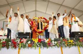 लोकसभा चुनाव: कर्नाटक के शिमोगा में अमित शाह का रोड शो, देखें तस्वीरें
