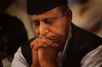 प्रतिबंध के बाद जनसभा में फूट-फूटकर रोये आजम खान, बोले- मुझे नहीं लड़ना चुनाव