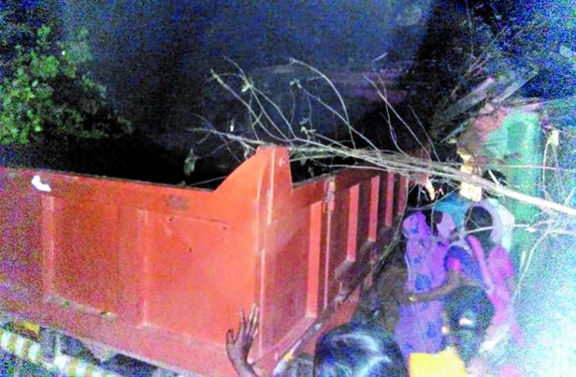 नशेड़ी ड्राइवर ने शादी घर में माजदा घुसाकर महिलाओं को रौंदा, भागने के चक्कर में एंबुलेंस को ठोका, एक की मौत, 5 घायल