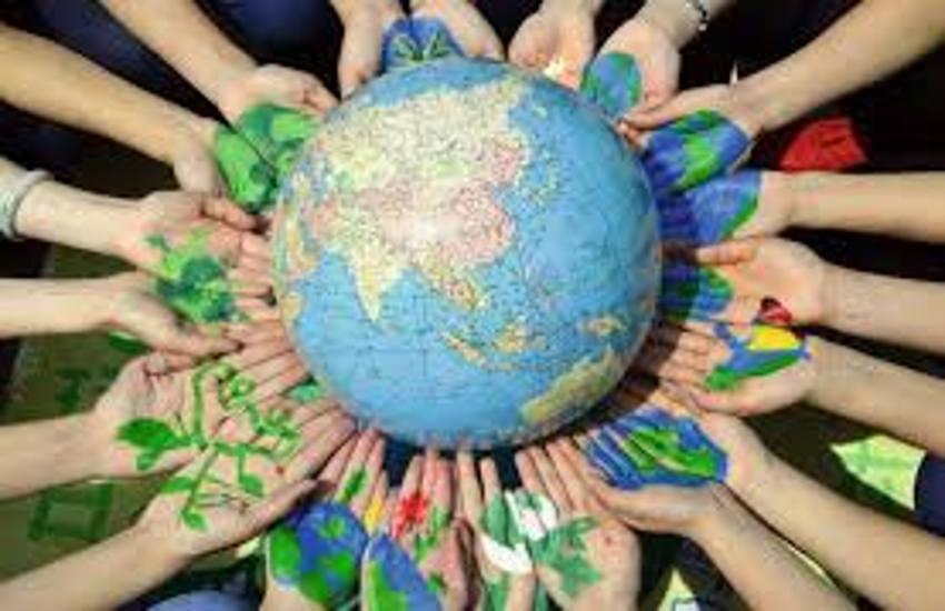 हमारी धरती को हर दिन बचाएं हम