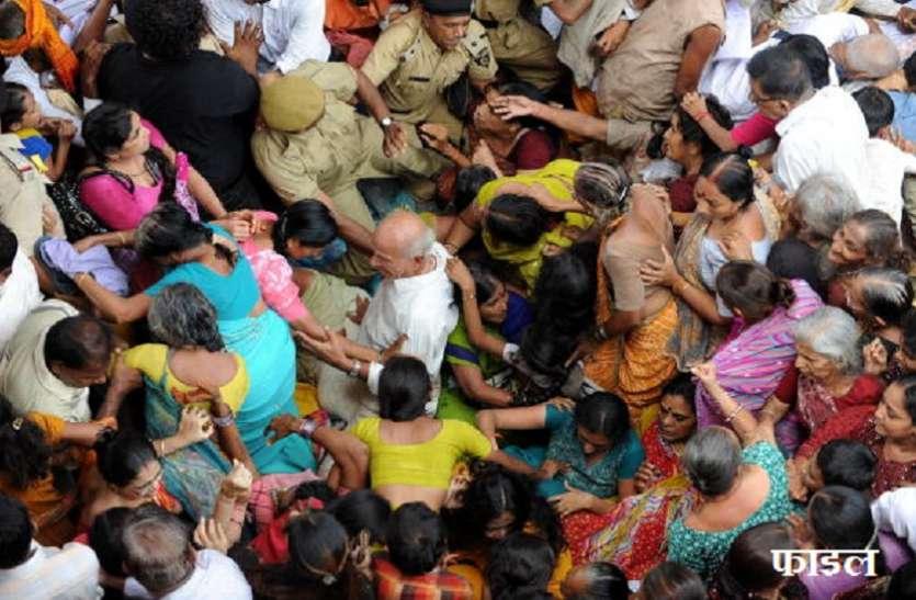 तमिलनाडु: सिक्का लेने के दौरान मंदिर में भगदड़, 7 श्रद्धालुओं की मौत