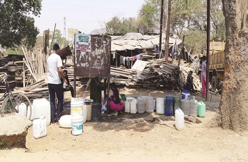 जनता की प्यास नहीं बुझा पाई वादों की बौछार, प्यासी रह गई जनता