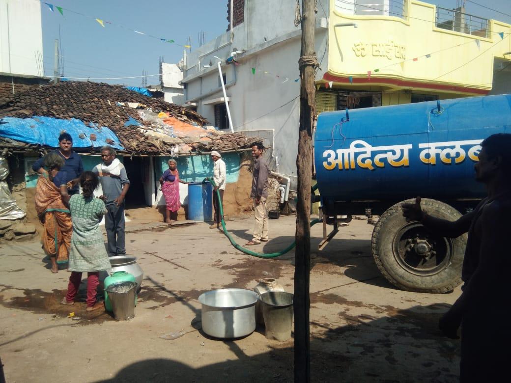 गांव-गांव टैंकर से पहुंचा रहे पानी
