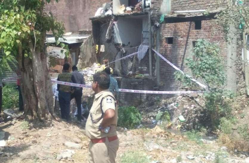 Big Breaking: रतलाम के हाट की चौकी नाले में मिली बोरा बंद लाश