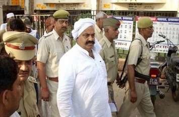 UP सरकार को बड़ा झटका, बाहुबली अतीक अहमद को सुप्रीम कोर्ट ने गुजरात शिफ्ट करने को कहा, CBI जांच का आदेश