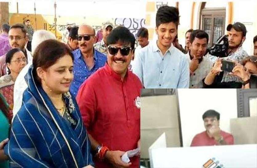 लोकसभा चुनाव Live: वोट डालने के बाद उम्मीदवार प्रमोद दुबे ने किया जीत का दावा