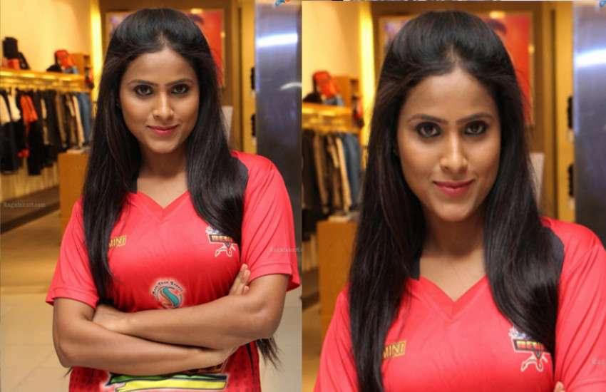 actress-prashanti-ruckus-during-ipl-match