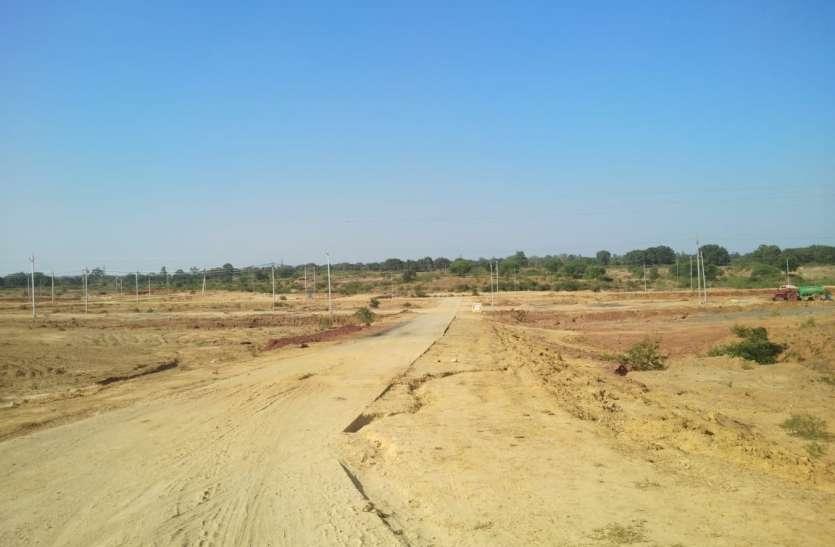 जिले में औद्योगिक विकास को लगा ग्रहण, ढाई साल बाद भी एरिया निर्माण कार्य अधूरा