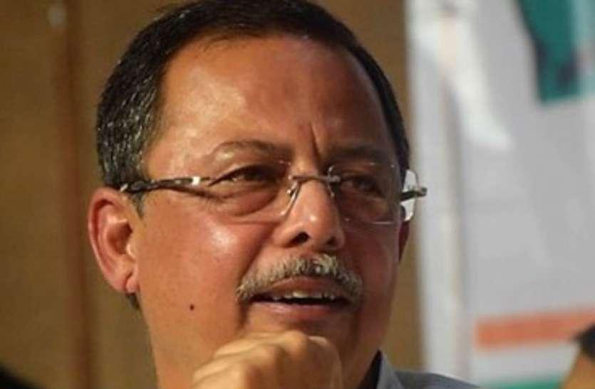 पिता के नाम पर वोट मांग रहे अजय सिंह ने भाजपा की महिला उम्मीदवार को कहा- ये अच्छा 'माल' नहीं है