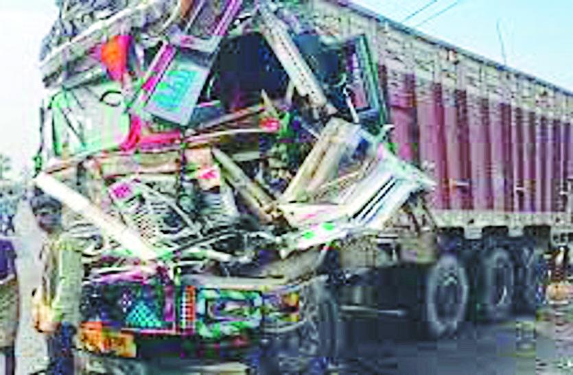 हादसा: रॉंग साइड से आ रही तेज रफ्तार ट्रक ने बाइक सवार को कुचला, दर्दनाक मौत