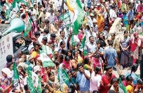 लोकतंत्र के मंदिर में किसको पहुंचाएंगे मतदाता