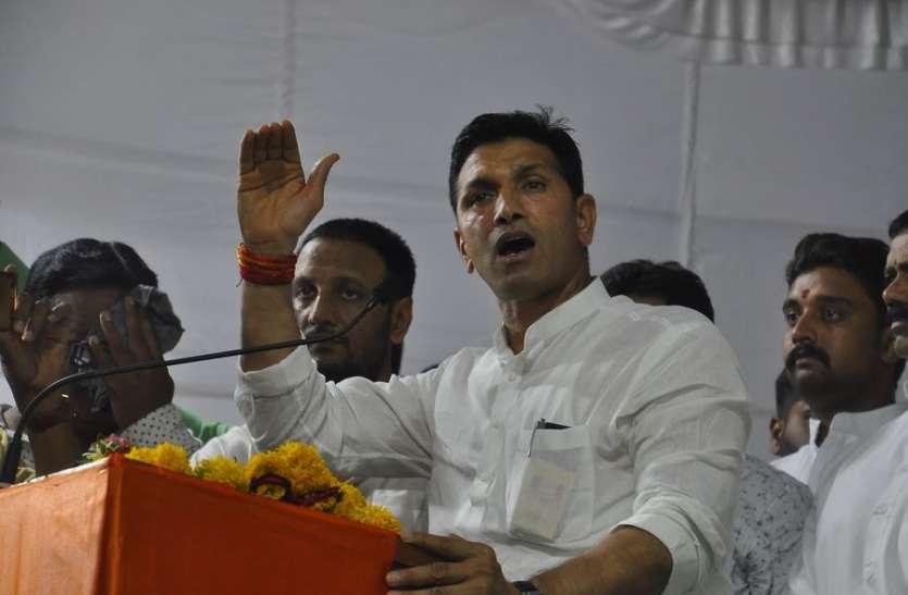 लोकसभा अध्यक्ष सुमित्रा महाजनका टिकट कटने पर कांग्रेस के मंत्रियों को मलाल
