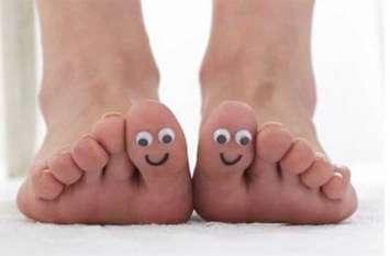 अगर आपके पैरों में भी पड़ गयी गाठें तो काम आसके हैं ये टिप्स