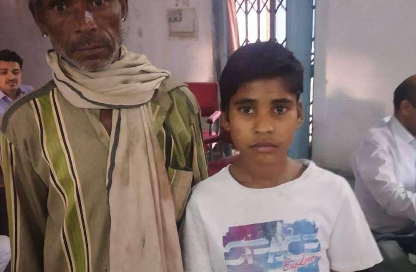 परिजनों को सुपुर्द किया आदिवासी बालक, प्रतापगढ़ पहुंचा बालक