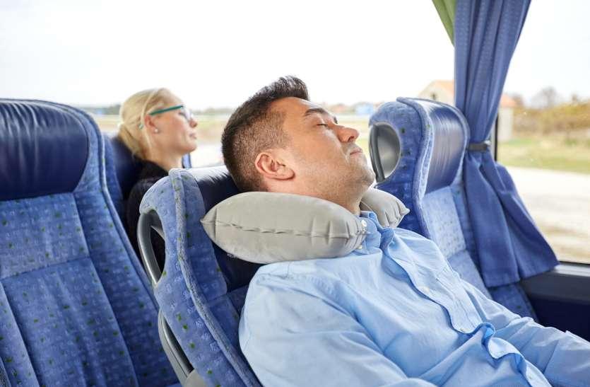 यात्रा के दौरान थकान को रखें कुछ इस तरह दूर