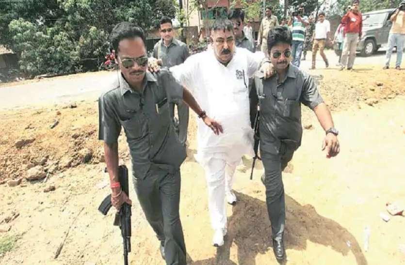 तो क्या भाजपा की शिकायत पर नजरबंद हुआ टीएमसी का यह हैवीवेट नेता