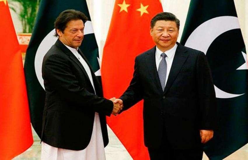 पाक पीएम इमरान खान ने राष्ट्रपति शी जिनपिंग से की मुलाकात, कई समझौतों पर चर्चा