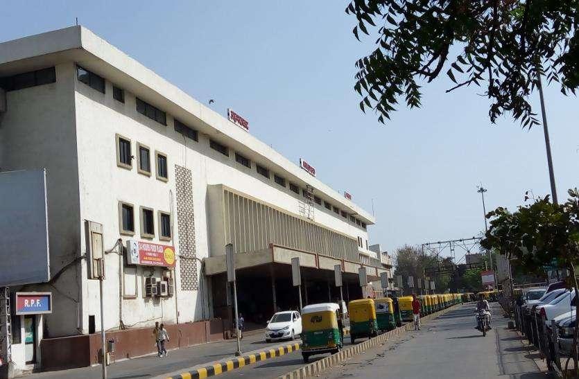 अहमदाबाद स्टेशन पर बुलेट ट्रेन का कार्य पकड़ेगा जोर