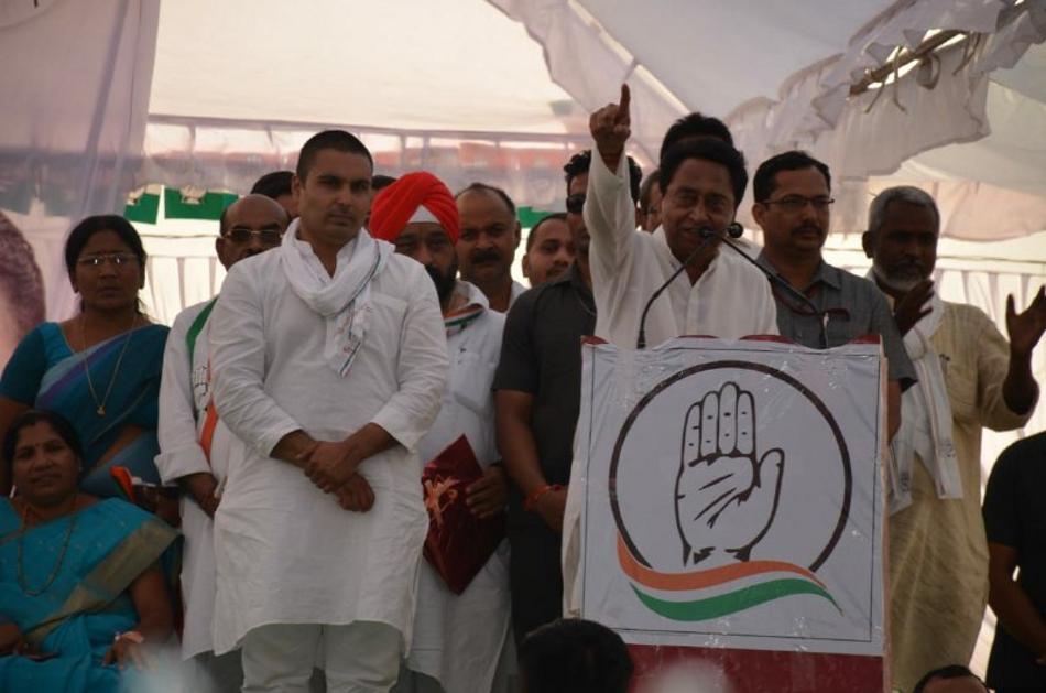 Lok Sabha Election 2019 : सीएम ने कहा- मैं आपसे रिश्ता जोडऩे आया हूं, रीवा से चलाएंगे भोपाल