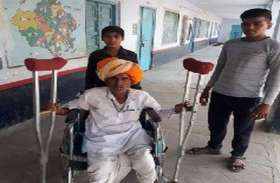pics : इन्हें मतदान केन्द्र तक ले जाने के लिए के लिए तैयार है दिव्यांग रथ
