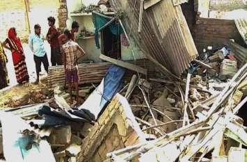 मिर्जापुर में भीषण सड़क हादसा, घर में घुसा ट्रक, पति-पत्न की मौत