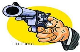 बाहुबली के भांजे की कम नहीं हुई मुश्किल, निरस्त होंगे शस्त्र लाइसेंस