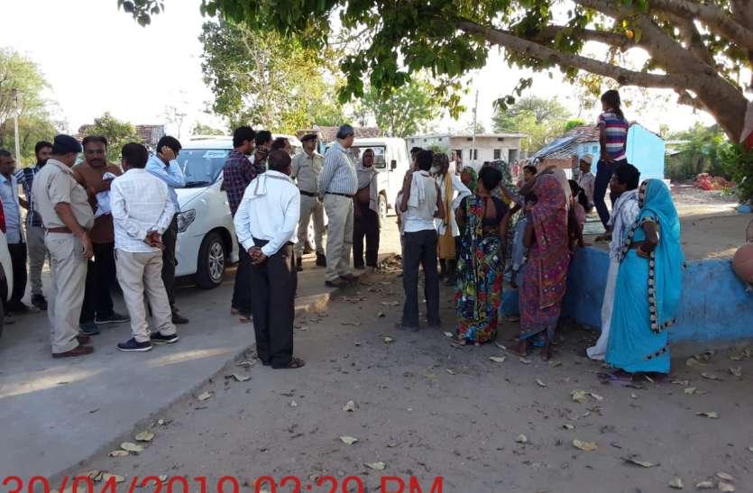 #लोकसभा निर्वाचन-2019 प्रेक्षक ने व्यय संवेदनशील मतदान केन्द्रों का निरीक्षण किया