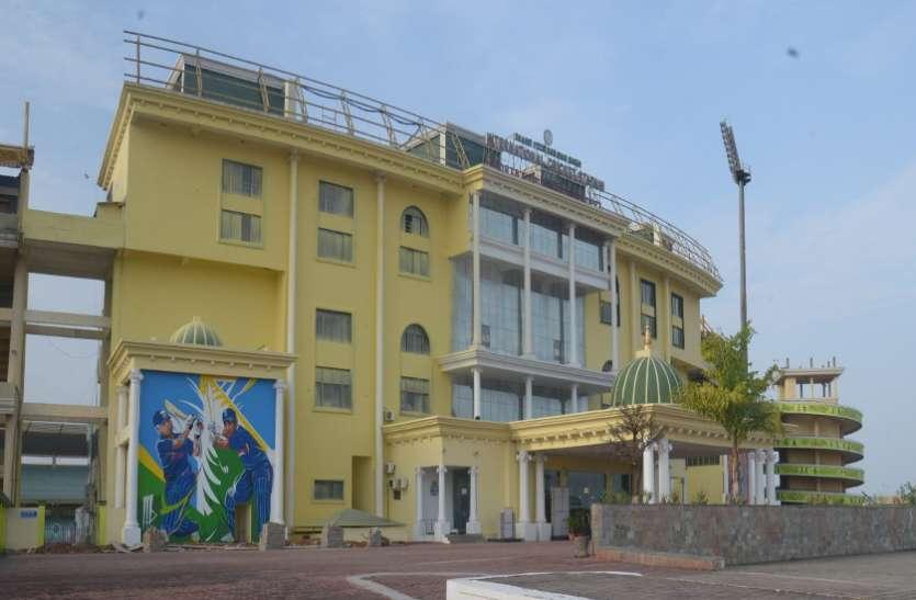 शहीद वीर नारायण सिंह अंतरराष्ट्रीय क्रिकेट स्टेडियम बना धूल का अड्डा